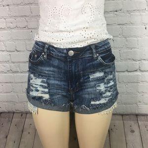 American Bazi Size Large Distressed Lace Pocket